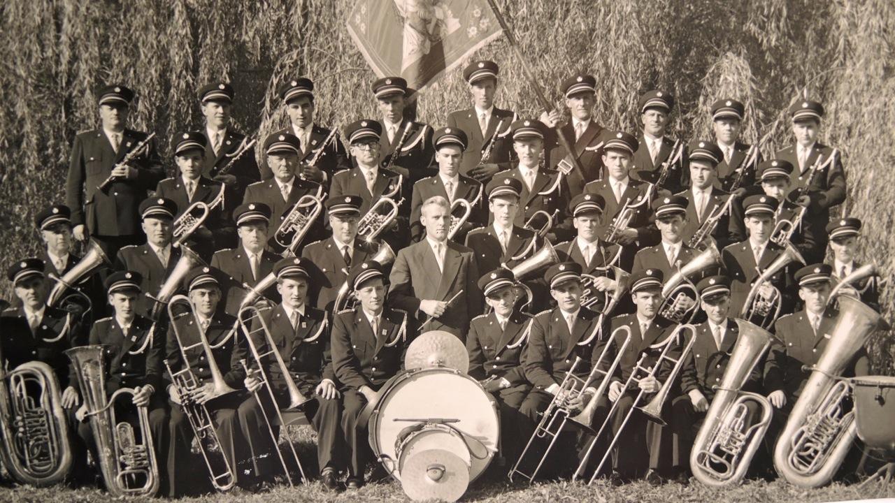 AK_UNIFORM_1950.jpeg